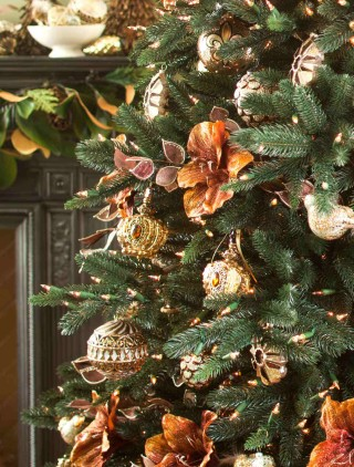 Aspen Estate Fir™ with Gramercy Park Ornaments