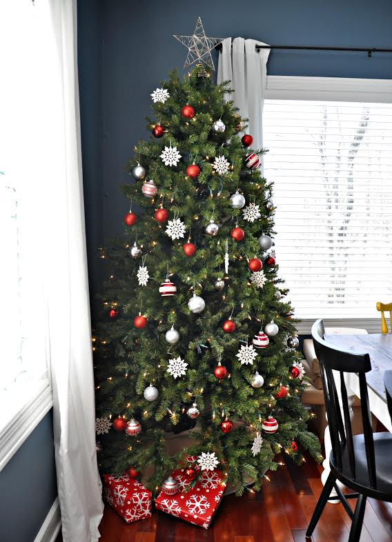 red and silver sparkle tree - Silver Christmas Tree Decorating Ideas
