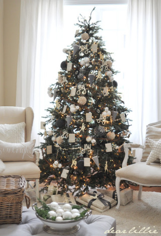 christmas tree decorating ideas balsam hill. Black Bedroom Furniture Sets. Home Design Ideas