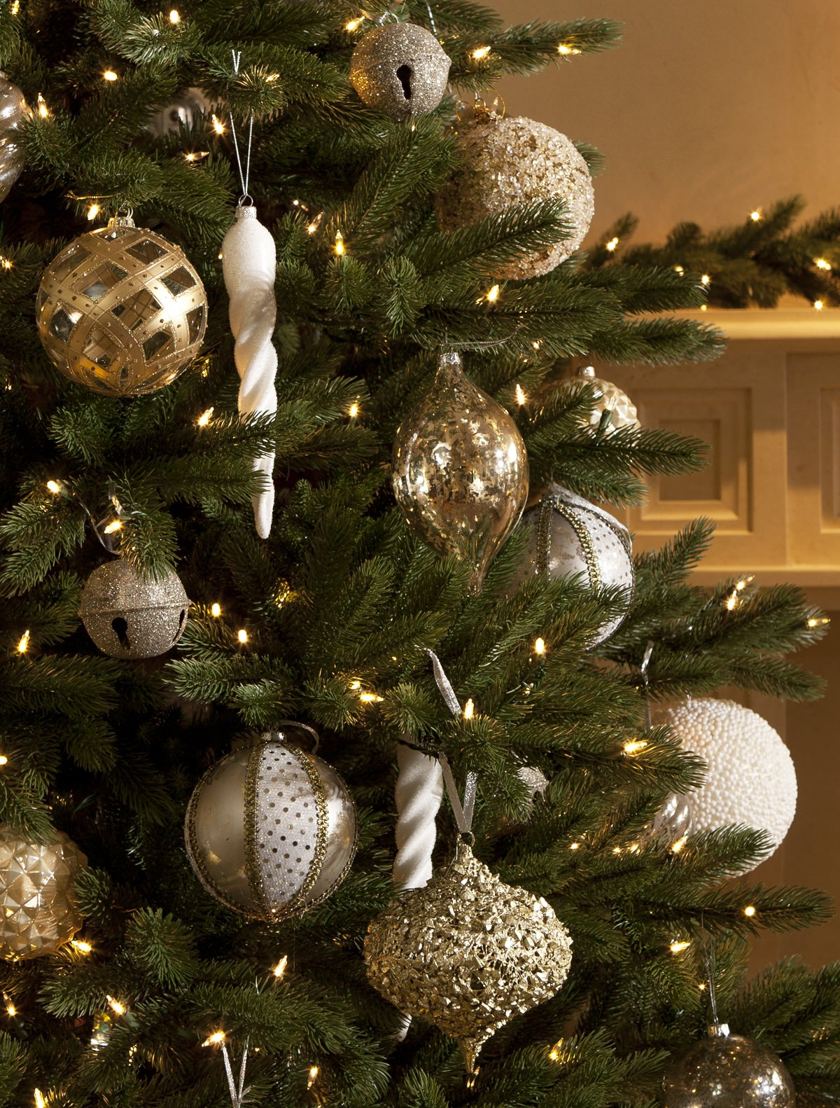 Castle Peak Pine Christmas Tree Decorating Ideas