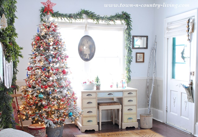 Captivating Christmas Tree Decorating Ideas