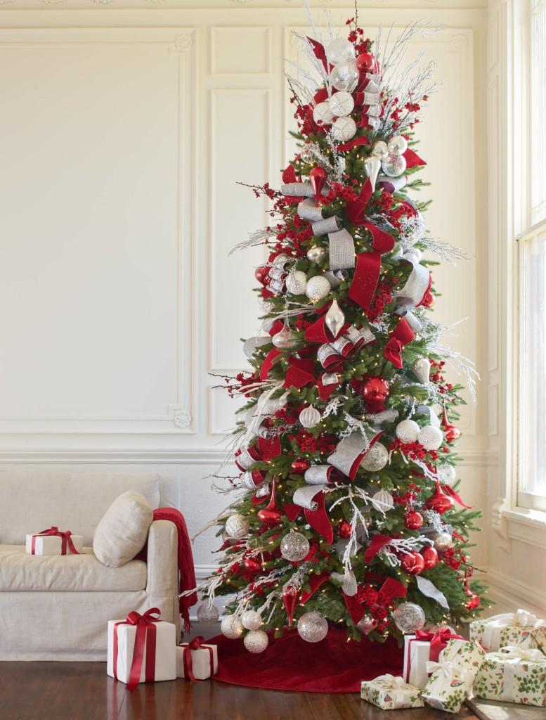 christmas tree decorating ideas - White Christmas Tree With Red Decorations
