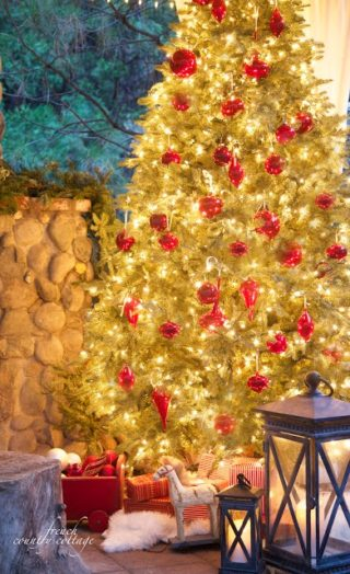 classic vintage woodland cottage christmas tree - Traditional Christmas Tree Decorating Ideas