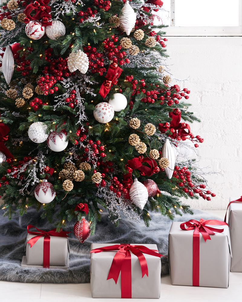 Nordic Frost - Christmas Tree Decorating Ideas