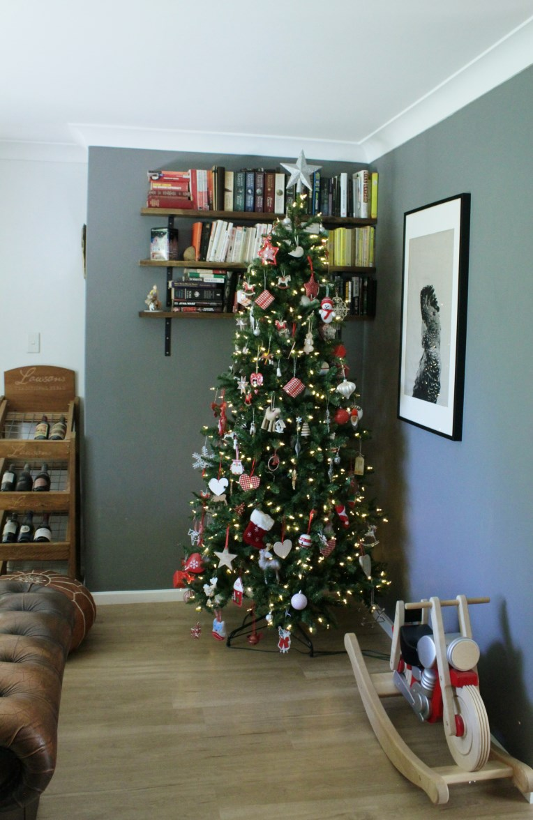 Whimsical Red White And Green Tree Christmas Tree Decorating Ideas