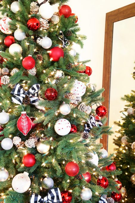 Red White And Silver Christmas Tree.Rustic Charm In Red White And Black Christmas Tree