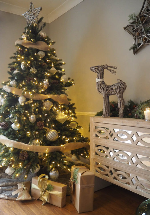 french country christmas tree - French Country Christmas Decorating Ideas