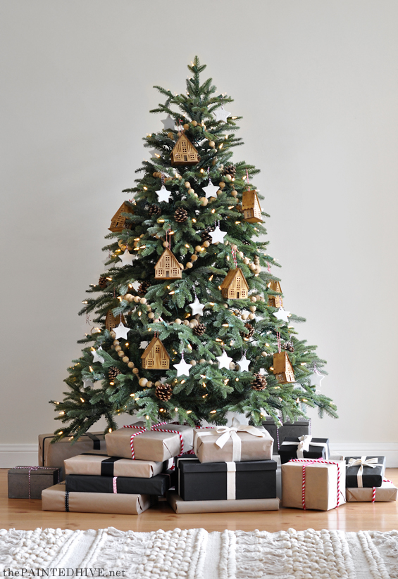 Natural And Neutral Christmas Tree Decorating Ideas